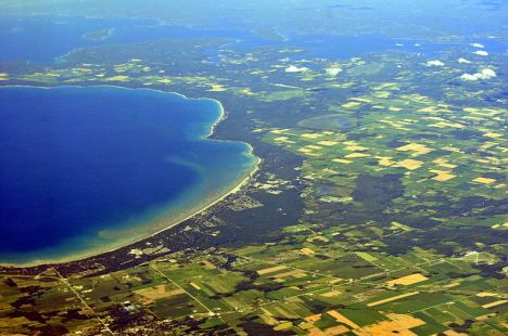 Aerial view of Wasaga Beach, Georgian Bay, Ontario, Canada. Wasaga Beach is a town on the longest freshwater beach in the world. (Joe Mabel/Wikipedia)